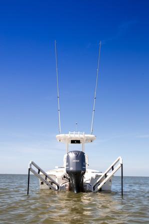 Parker Boats 2600SH Power Poles.jpg