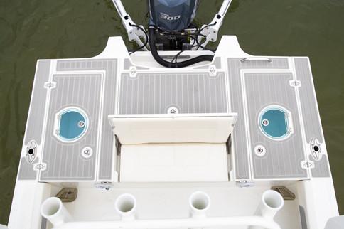 Parker Boats 2600SH Rear.jpg