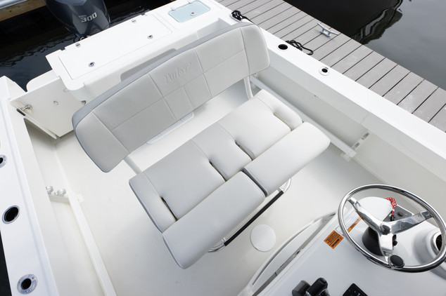 Parker Boats 2300 Center Console-15.jpg