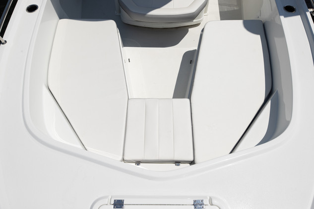 Parker Boats 2300 Center Console-36.jpg