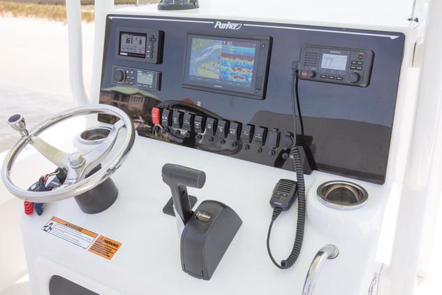 Parker Boats 23SE Center Console Interio