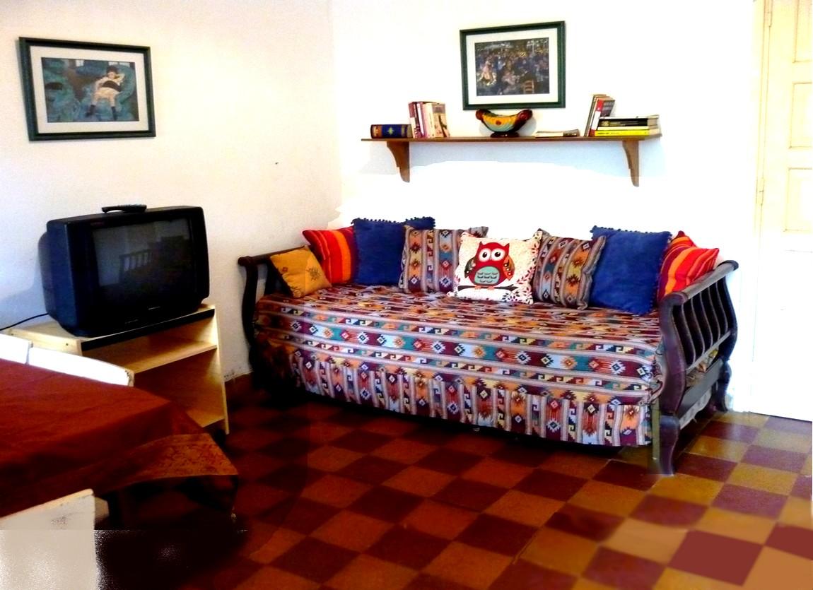 sofa cama TV con cable