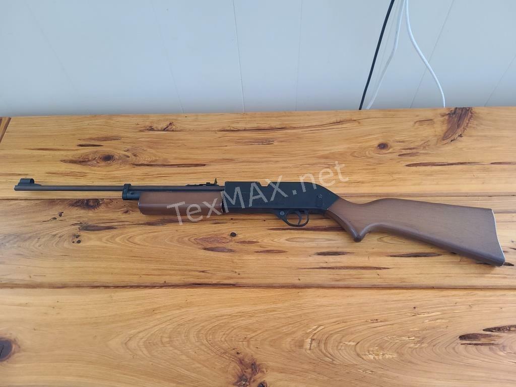 Memorial Gun Lover & More Moving Auction