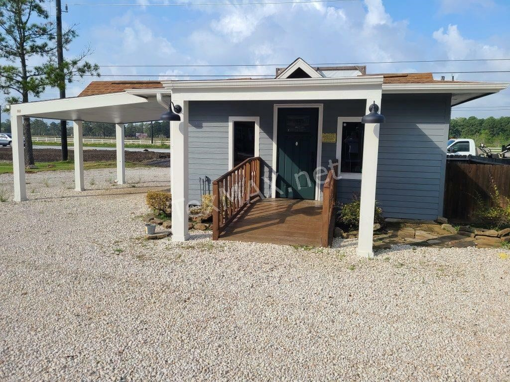 Multiple Buildings & More Crosby Auction