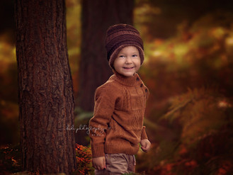 Autumn family photo session. West Midlands professional photographer.
