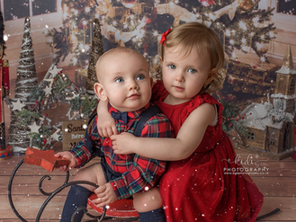 Willow and Sebastian. Christmas mini session