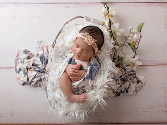 Yarae  | Professional newborn photography.