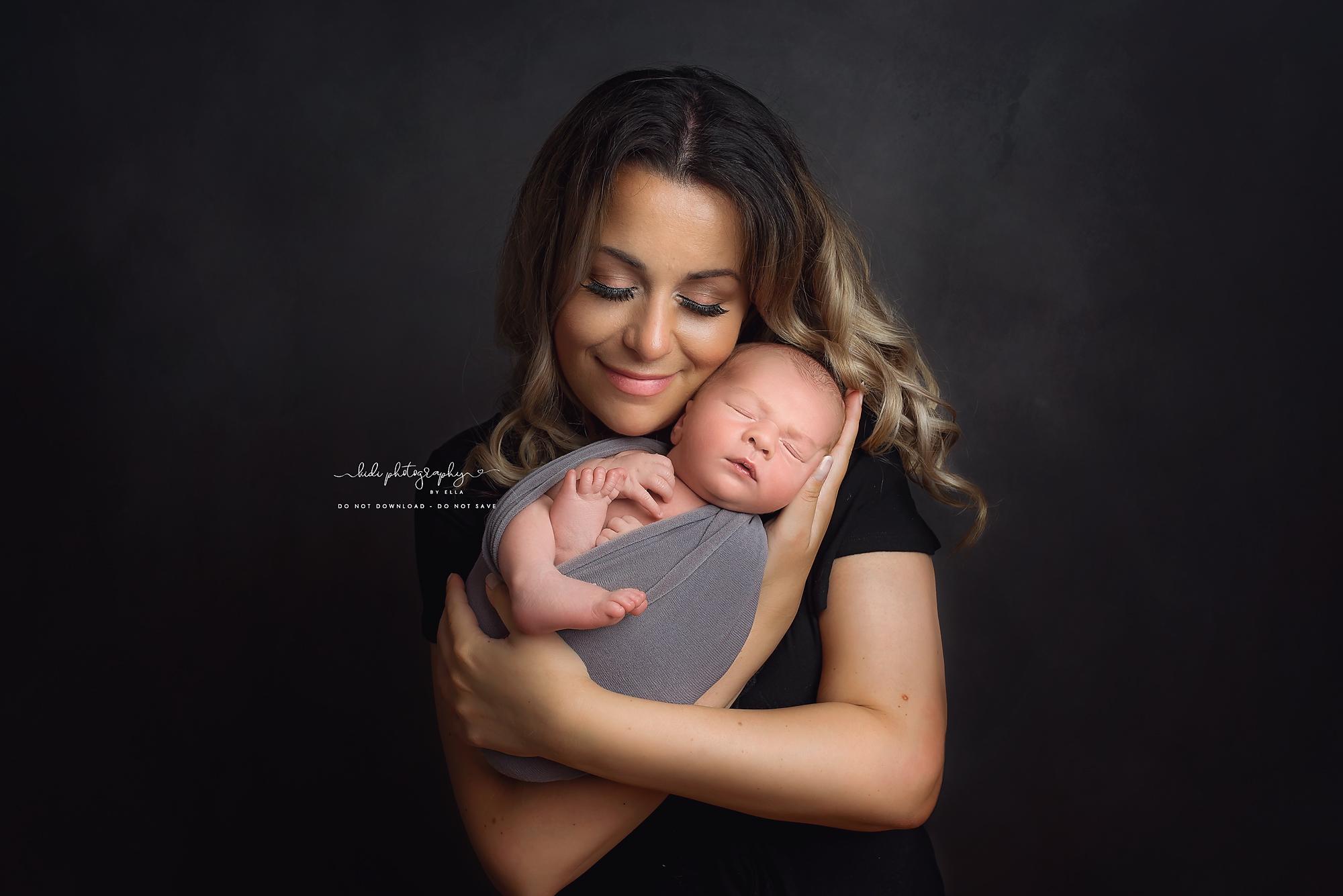Kidi Photography by Ella newborn photo session