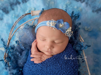 Evie. Beautiful Newborn photo session