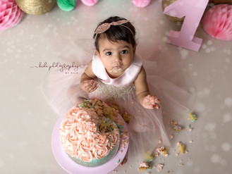 Let's celebrate your baby first birthday with Kidi Photography by Ella. Walsall.
