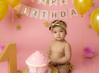 First birthday cake smash session