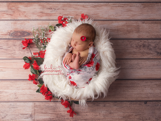 Little Sara and her newborn photo session