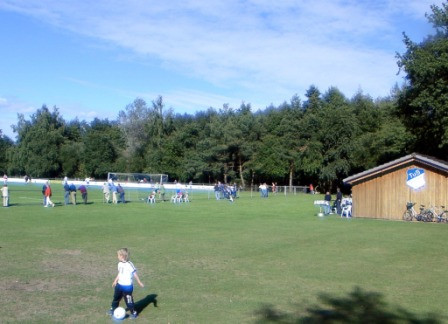 Sportplatz02.JPG