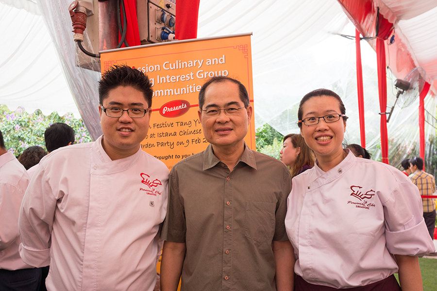 Chef John With Singapore's Minister - Lim Hng Kiang