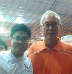 Chef With EMS Goh Chok Tong