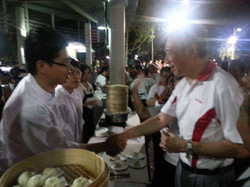 Chef John With PM During Mooncake Festival