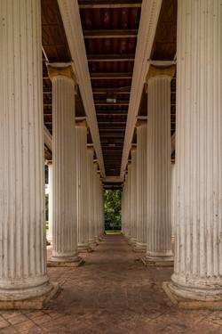 Ionic order pillars, Kolkata