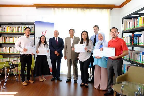 DELF Certificate Presentation
