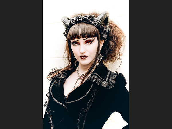 Bella Donna Chris Houghton.jpg