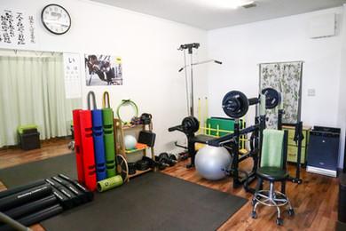 岐阜ハート鍼灸整骨院 トレーニングルーム風景