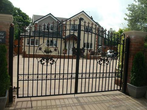 Estate Gate 8