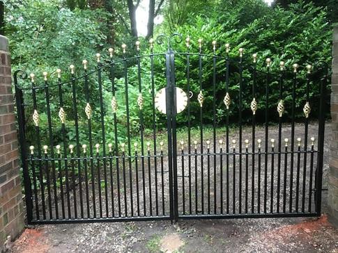 Estate Gate 15