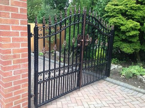 Estate Gate 6