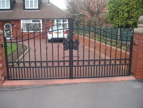 Estate Gate 3