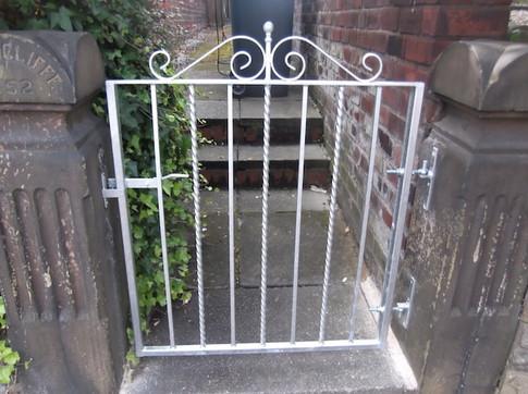 Single Gate 11