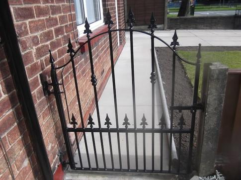 Single Gate 9