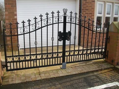 Estate Gate 4