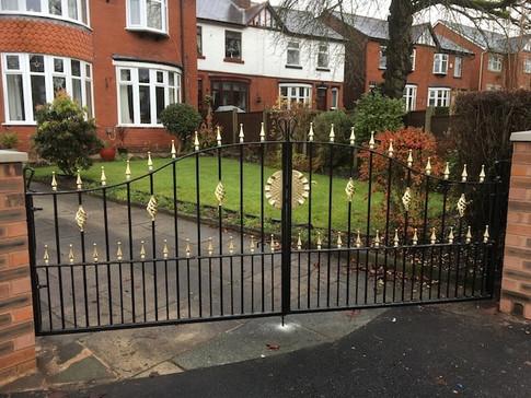 Estate Gate 10