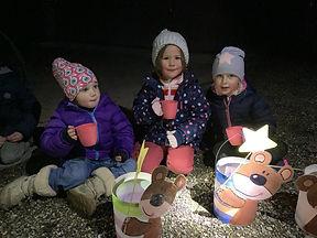 Kinder am Laternenumzug