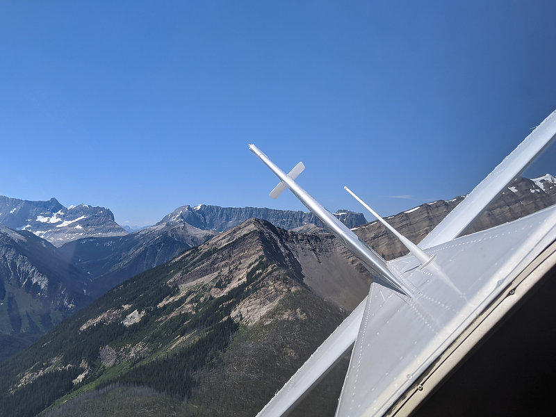 Mountain Flying C182