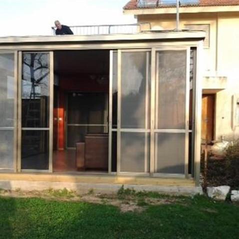 דלתות הזזה מאלומיניום משולבות זכוכית