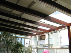 מראה גג פתיחה חשמלי מהמרפסת