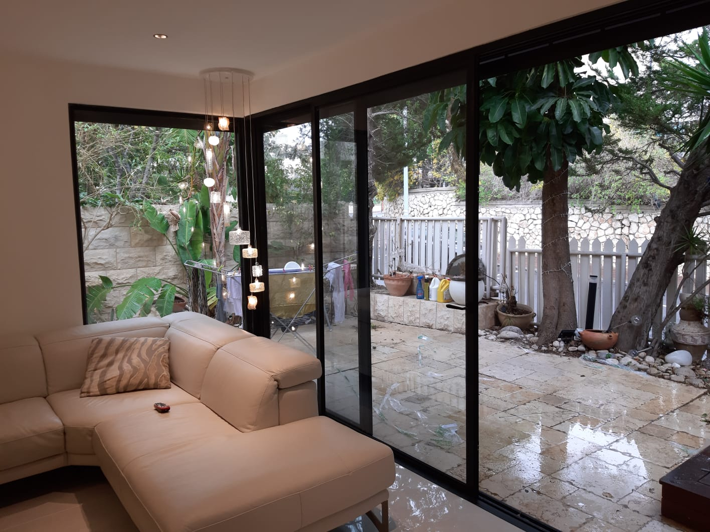 חלון בלגי ליציאה למרפסת
