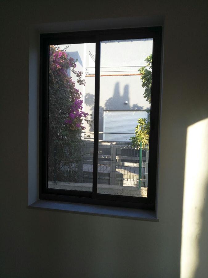 חלון בלגי הזזה