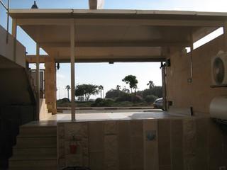 פרגולת אלומיניום עם גג מבודד