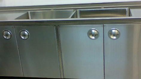 ארונות אחסון עם כיור למטבחים מוסדיים
