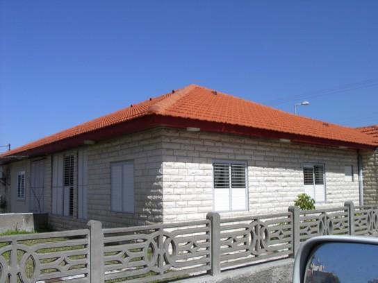 גג רעפים - בית פרטי