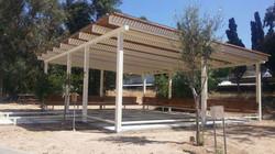 בניית פרגולה לגינה ציבורית