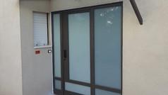 דלת אלומיניום לגניסה