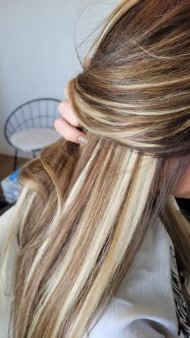 תוספת שיער אמיתי עם גוונים