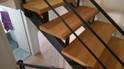 ייצור והתקנת מדרגות עץ