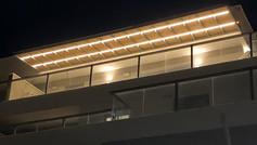 פרגולה נפתחת עם תאורה