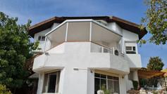 פרגולה סגורה למרפסת שמש