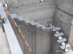 בניית מדרגות בבית חדש