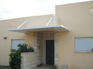 גג מבודד למפתן הבית