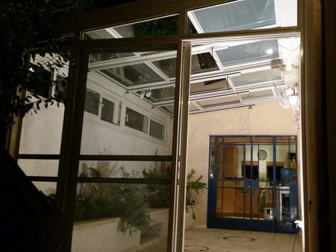 גגות הזזה חשמליים ליחידת דיור